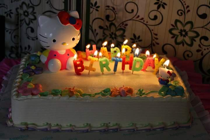 hello-kitty-surprise-birthday-cake