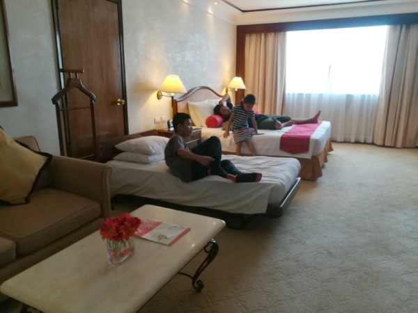 Where to stay in Cebu- Marco Polo Plaza - Junior Suite